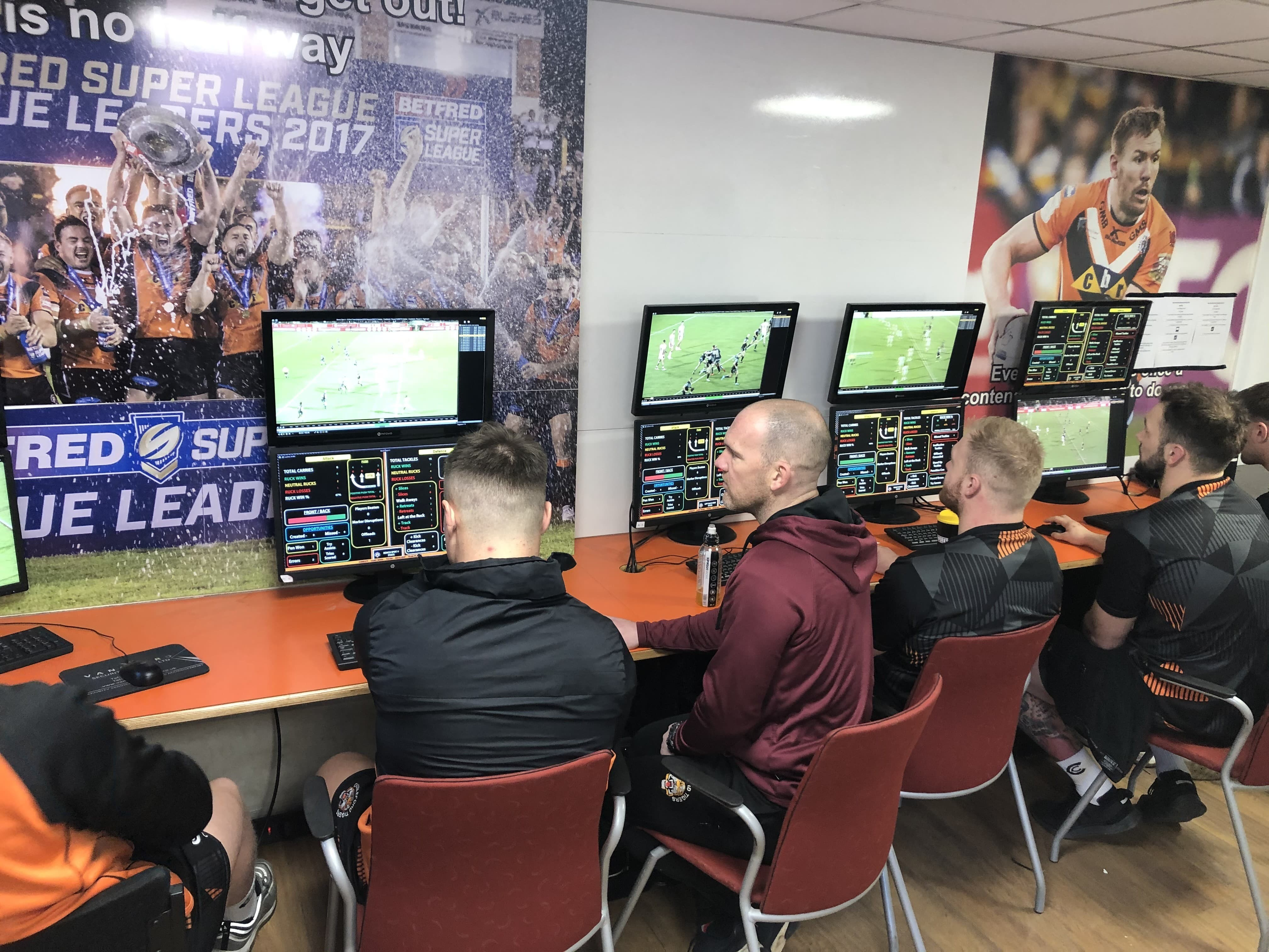 Multiple Screens Sports Video Analysis